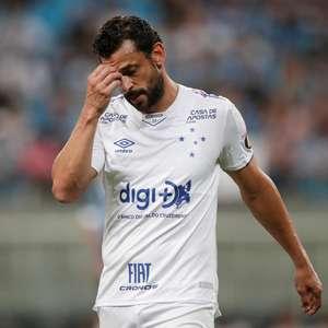 Cruzeiro perde para o Grêmio e fica muito perto da queda