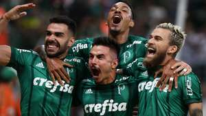 Palmeiras classifica com show e garante vantagem até final