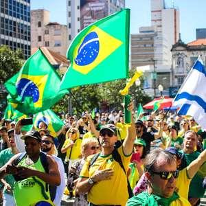 Manifestantes pró-Bolsonaro vão às ruas em todo o País
