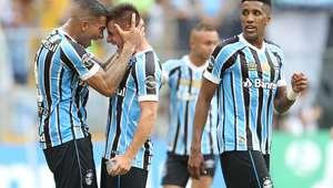 Grêmio faz 3, vence Inter de novo e encaminha vaga para semi