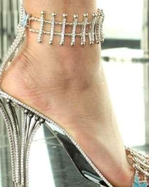 Beyonce paga R$ 756 mil em sandália ostentação para clipe