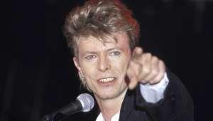 Mecha de cabelo de David Bowie vai a leilão em Beverly Hills