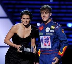Do Youtube para palcos do mundo: Justin Bieber é fenômeno pop