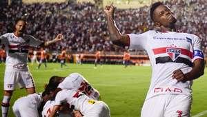 Sufoco! São Paulo supera retranca no fim e se classifica