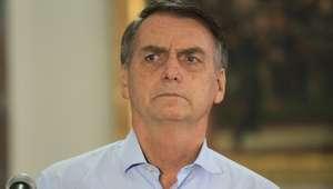 Bolsonaro deixa coletiva após pergunta sobre Mais Médicos