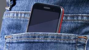 Cuidado con llevar el móvil en el pantalón