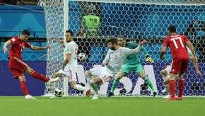 Iraniano vai parar no hospital após gol anulado pelo VAR
