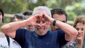 Lula diz estar 'apaixonado' e planeja casamento