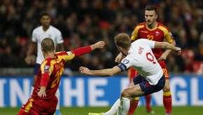 Inglaterra goleia com três de Kane e garante vaga na Euro