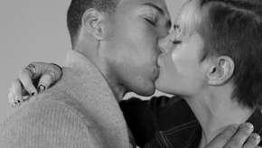 Por que nos beijamos, enquanto as pessoas ao redor se beijam