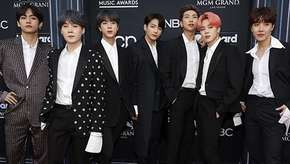 Juntos e Shallow now, BTS homenageia Beatles e mais