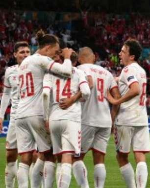 Dinamarca goleia a Rússia e consegue classificação