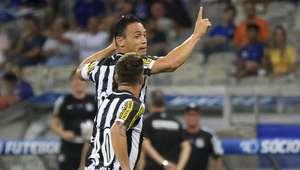 Com golaço de R. Oliveira, Santos amplia crise do Cruzeiro