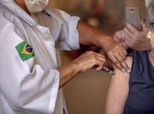 SP aplica dose de reforço para idosos acima de 70 anos