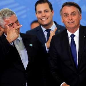 Bolsonaro pede para ser excluído de portaria sobre munições