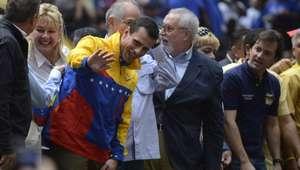 """Acusan Capriles de """"conspirar"""" contra gobierno venezolano"""