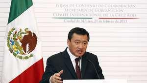 Sin marcha atrás en reforma educativa, reitera Osorio Chong