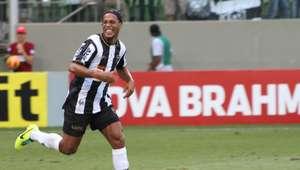 Presidente do Atlético-MG descarta volta de Ronaldinho