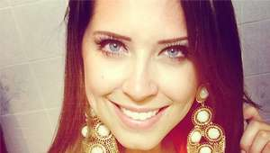 Andressa Ganacin posta tutorial de maquiagem para o Natal