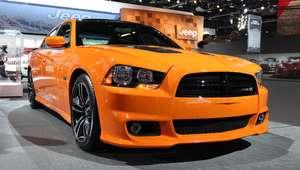 Mustang e Challenger estão mais perto do Brasil e ...