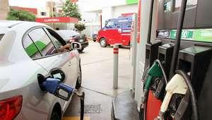 Bajan precios de gasolinas en S/ 0.43 por galón