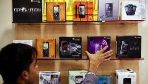 Cricket Wireless y GameStop, alianza para el mercado hispano