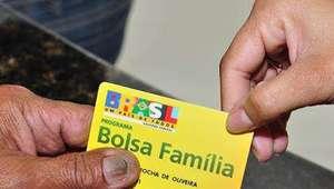 Com reajuste, benefício médio do Bolsa Família sobe a R$ 176