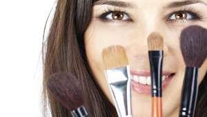 Utiliza las brochas de maquillaje como una profesional