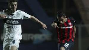 San Lorenzo venció a Gimnasia y alcanzó a Boca en la cima