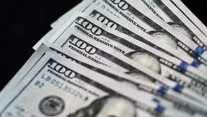 BMV se desploma 1.25% y dólar sube a 17.26 pesos