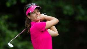 Golfista brasileira sobe no ranking e fica próxima de vaga