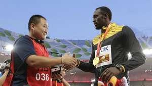 Bolt perdonó al camarógrafo que lo atropelló en el festejo