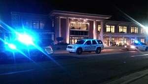 Estudiante es asesinado en tiroteo en universidad