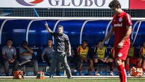 Inter leva 3 do Avaí e perde pela primeira vez com Argel