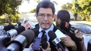 Levy cancela viagem para a Turquia e se reunirá com Dilma