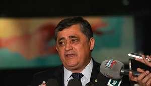 Para José Guimarães, prioridade é manter vetos presidenciais