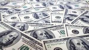 Precio del dólar finaliza en 16.80 pesos en bancos