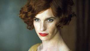 Eddie Redmayne impacta en el trailer de 'The Danish Girl'