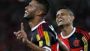 Flamengo bate Avaí e continua escalada rumo ao G4