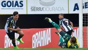 Com um a menos, Figueirense mostra força e vence Goiás