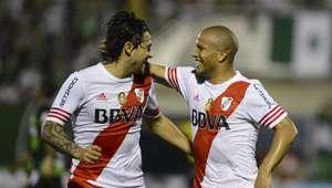 Chapecoense vence River Plate, mas cai na Sul-Americana
