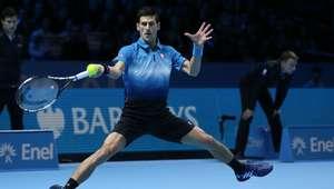 Djokovic vence a Federer y reina otra vez en la Copa Masters