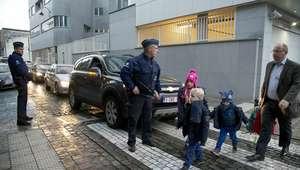 Reabren colegios, metro y centros comerciales de Bruselas