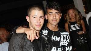 Joe Jonas acepta que les gusta visitar los bares gay