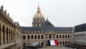 París recuerda a las víctimas del 13-N en homenaje nacional