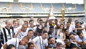 Maitê Proença entrega taça e Botafogo empata com América-MG