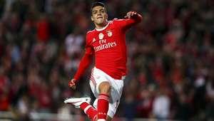 VIDEO: Espectacular 'rabona' de Raúl Jiménez con el Benfica