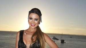 Vinna Calmon agita o Barra-Ondina com vestido transparente