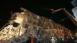 Fuerte terremoto en Taiwán produce derrumbe de edificios