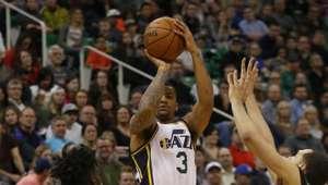 Jazz se sobrepone a crisis ofensiva para derrotar a Bucks